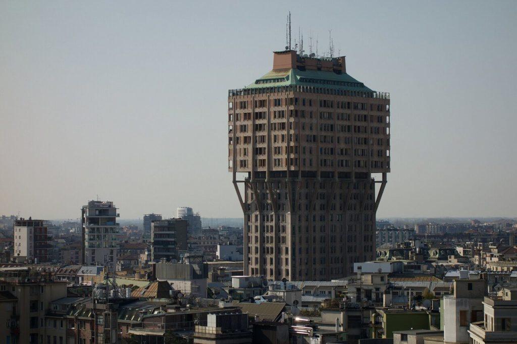 ドゥオモの屋上からのヴェラスカタワー