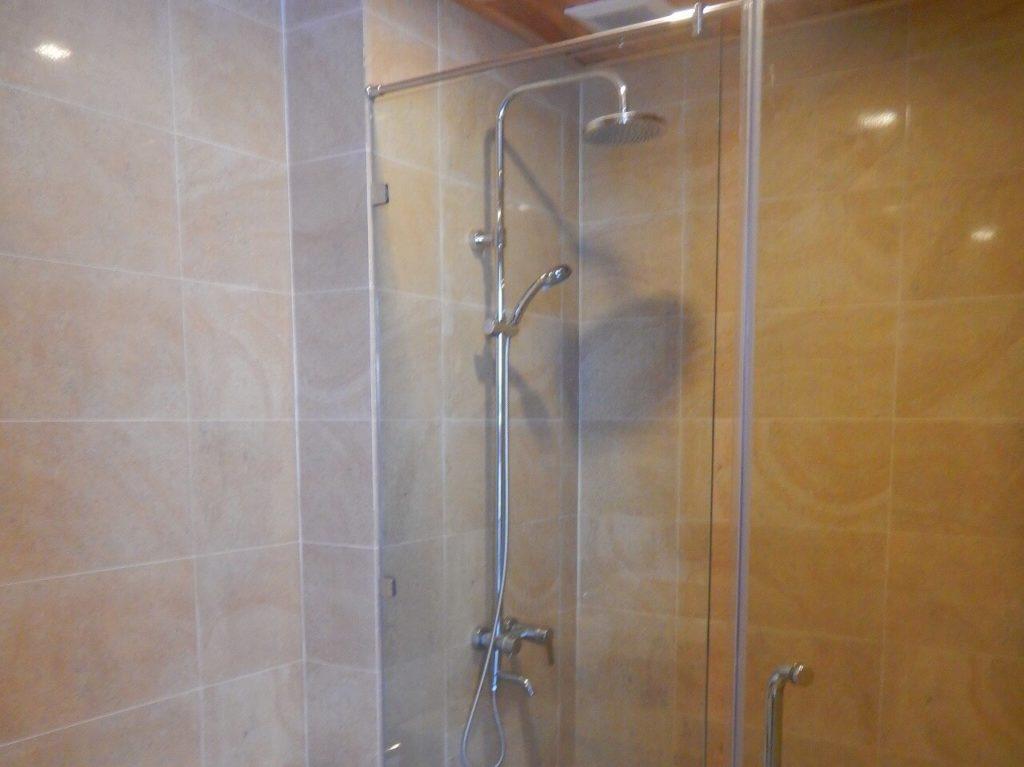 Calla Villa Hoi Anのシャワールーム
