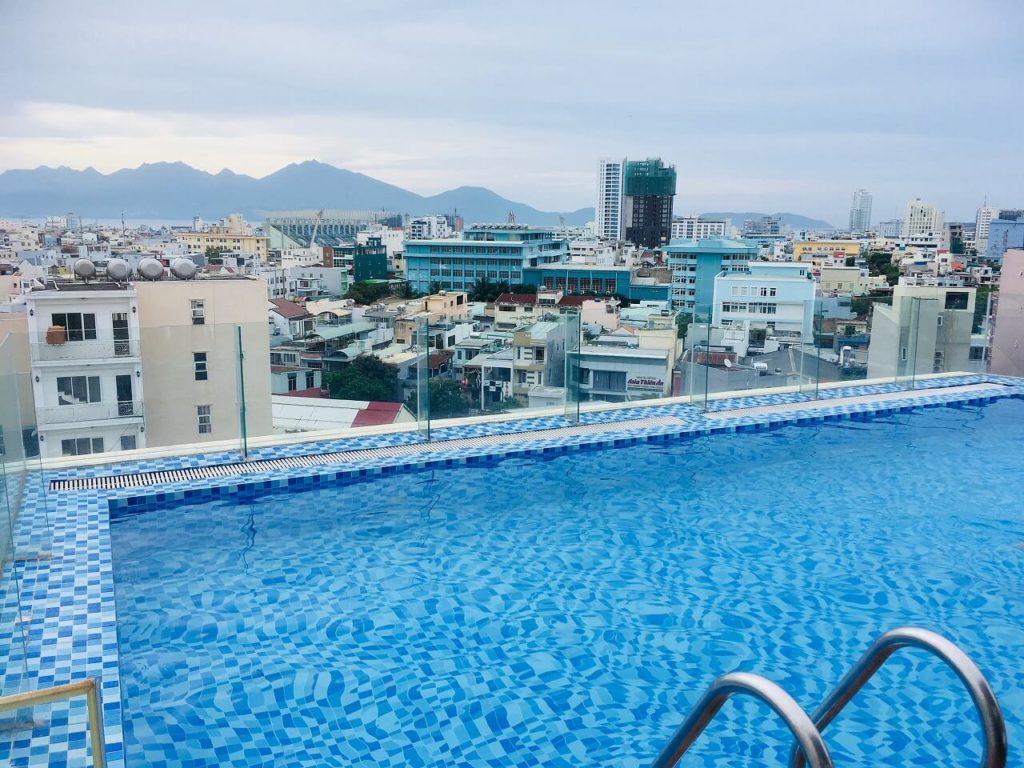 セントラルホテル&スパのプール