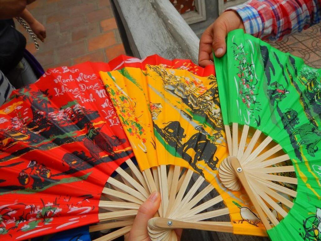 ベトナム土産の扇子