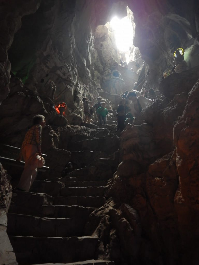 アンフー洞窟の様子