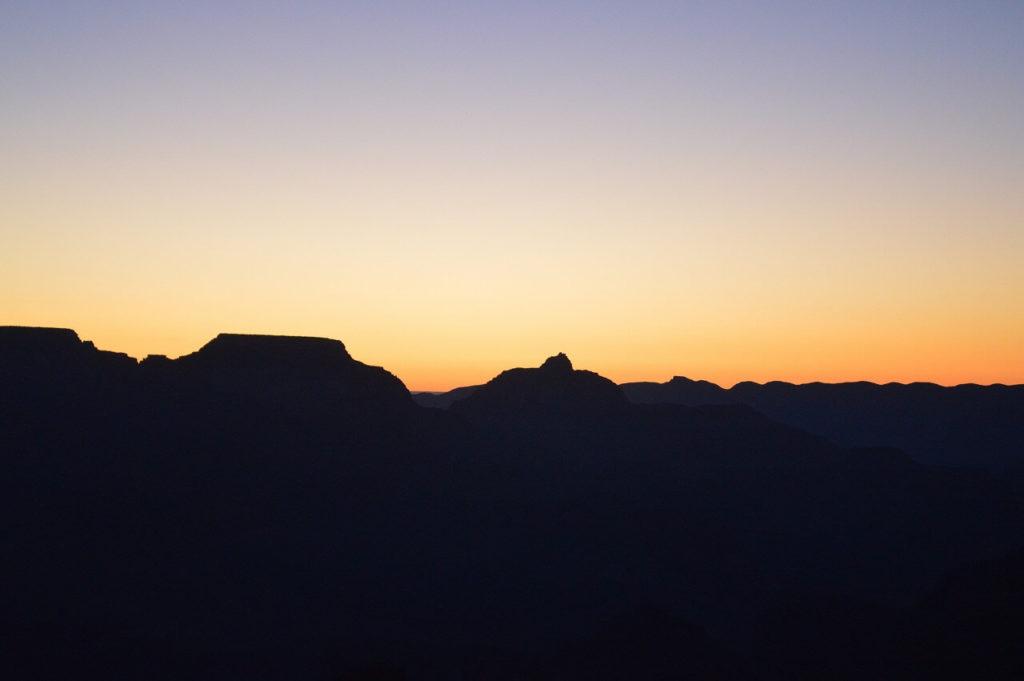 グラウンドキャニオンのヤバパイポイントの朝日