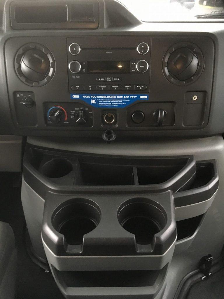 運転席周辺の設備