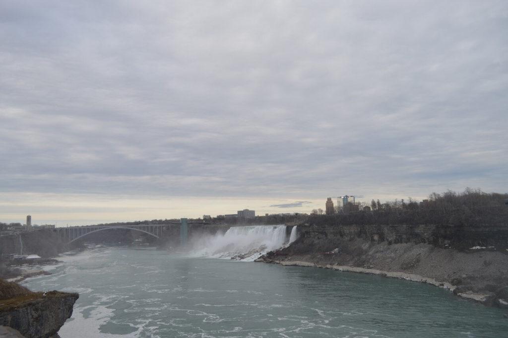 アメリカ滝とブライダルベール滝