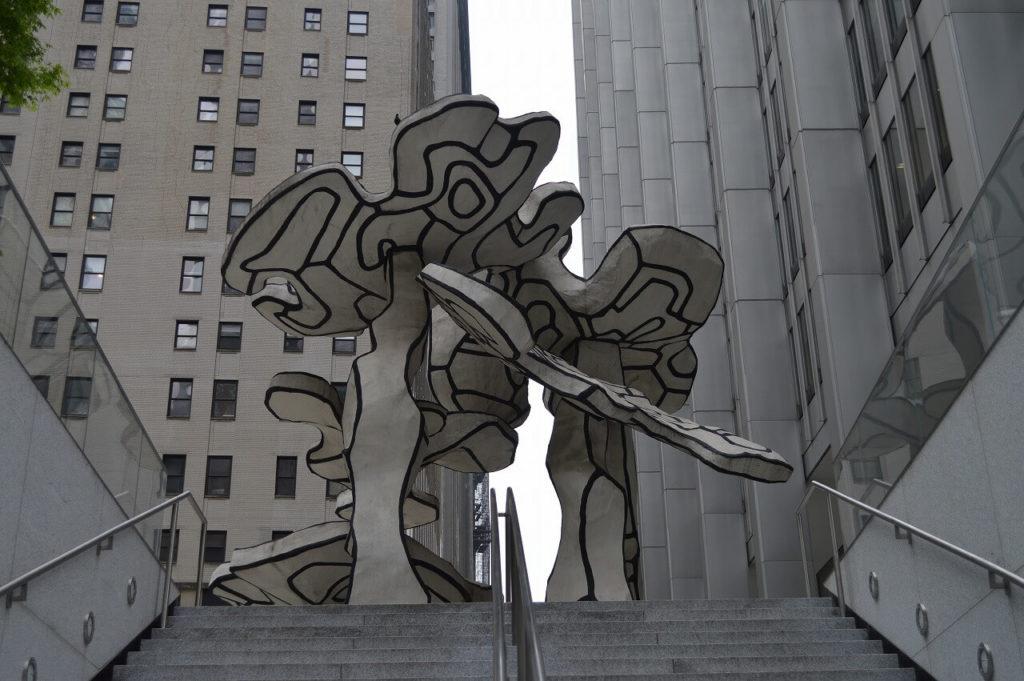 街中にある芸術作品