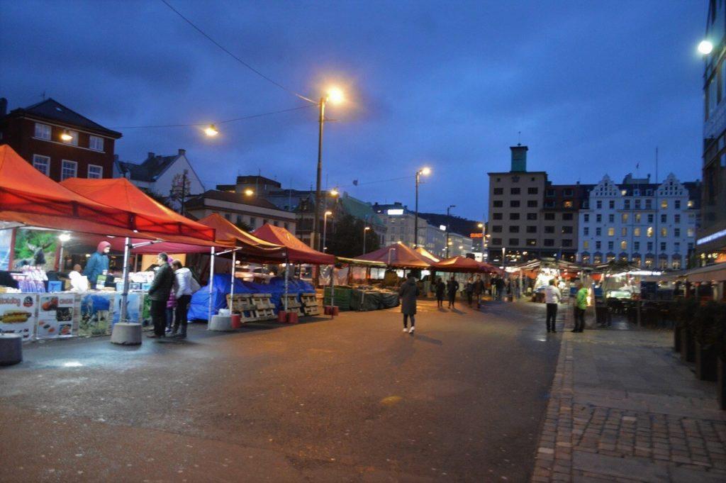 ノルウェーのベルゲンのフィッシュマーケット