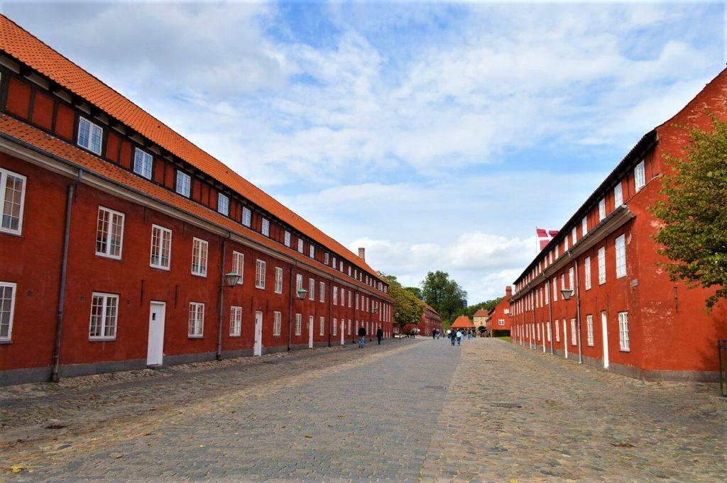 カステレット要塞内にある軍事基地