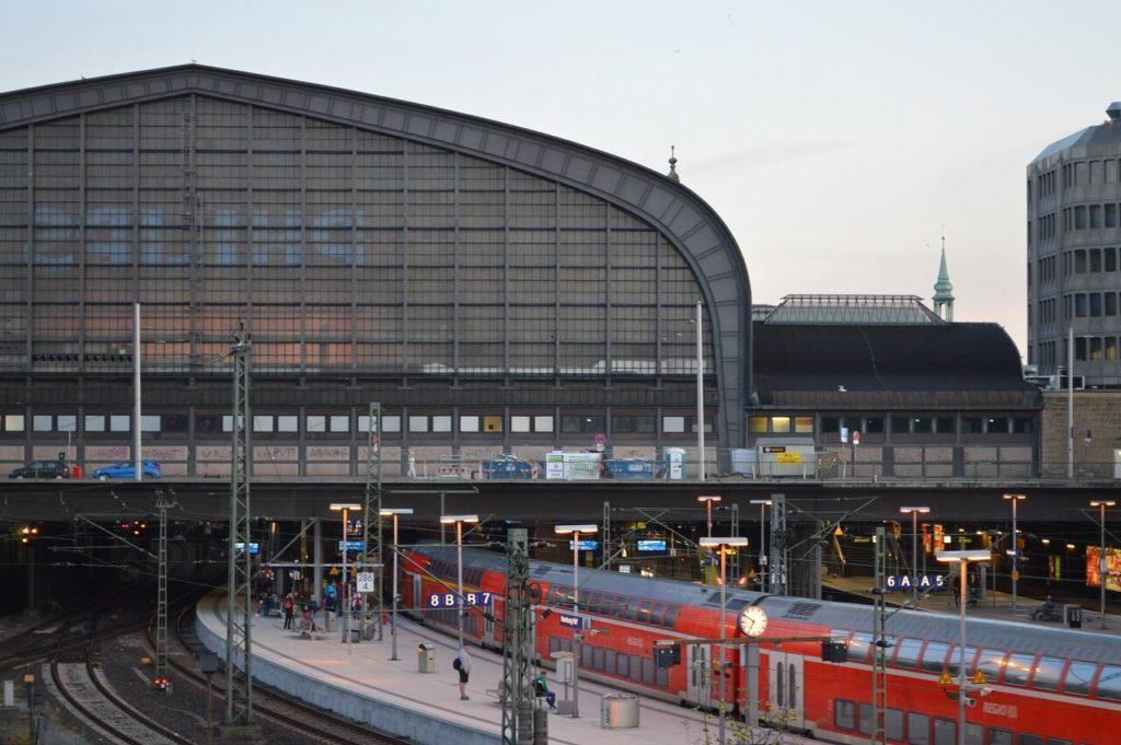 ハンブルク中央駅の朝
