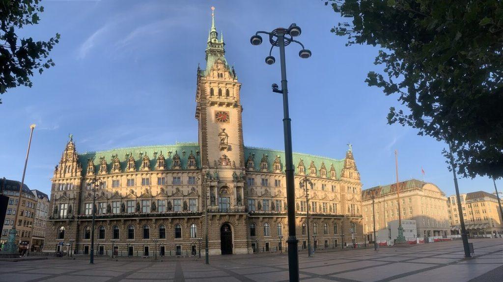 ハンブルク市庁舎の広場