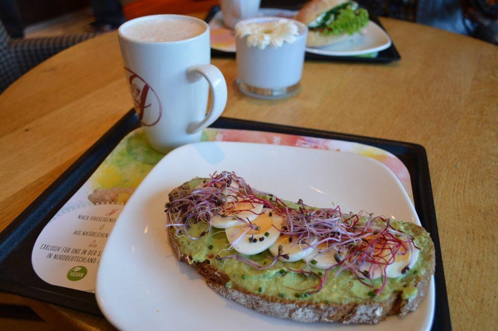 ハンブルクのカフェ「Schanzenbäckerei」での朝ごはん