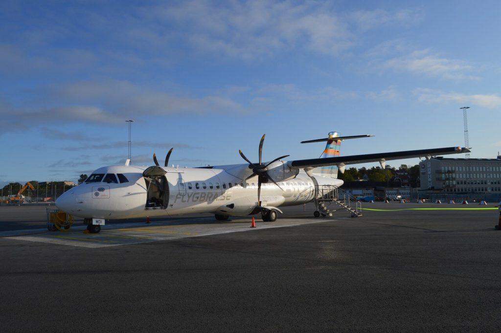 ブロンマ空港からヴィスビュー行の飛行機