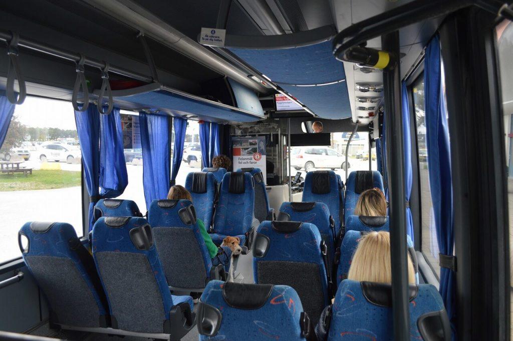 ヴィスビュー市街までのバス車内