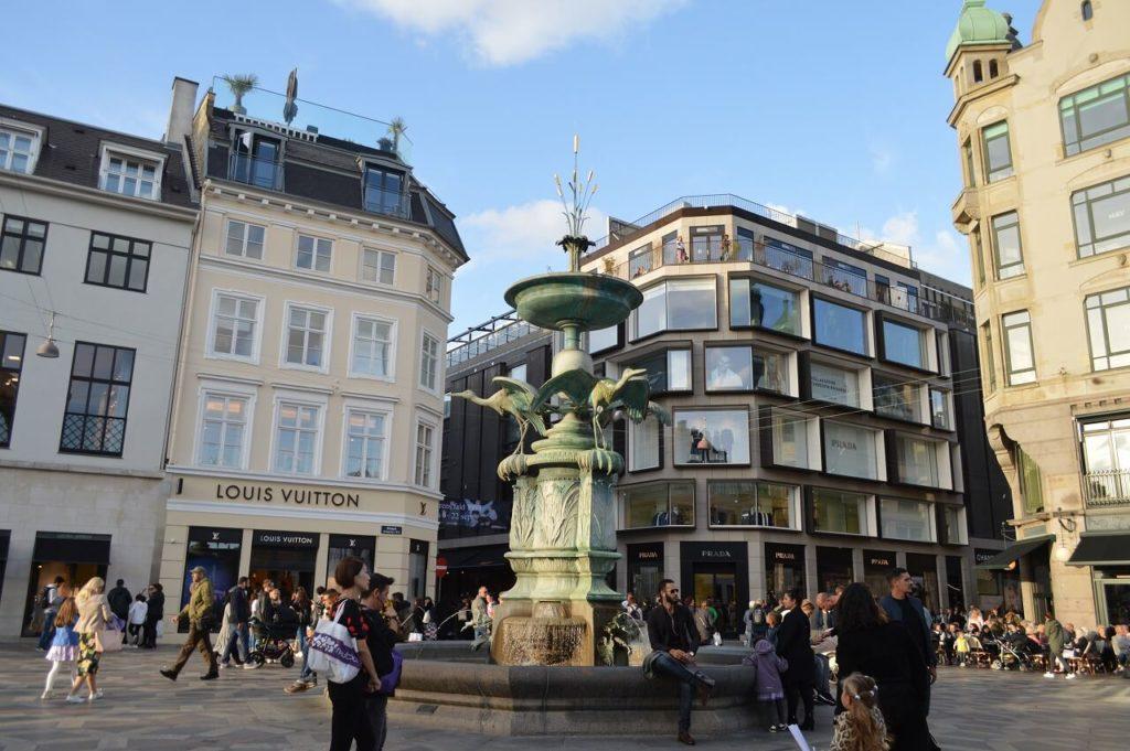 コペンハーゲンにあるコウノトリの泉