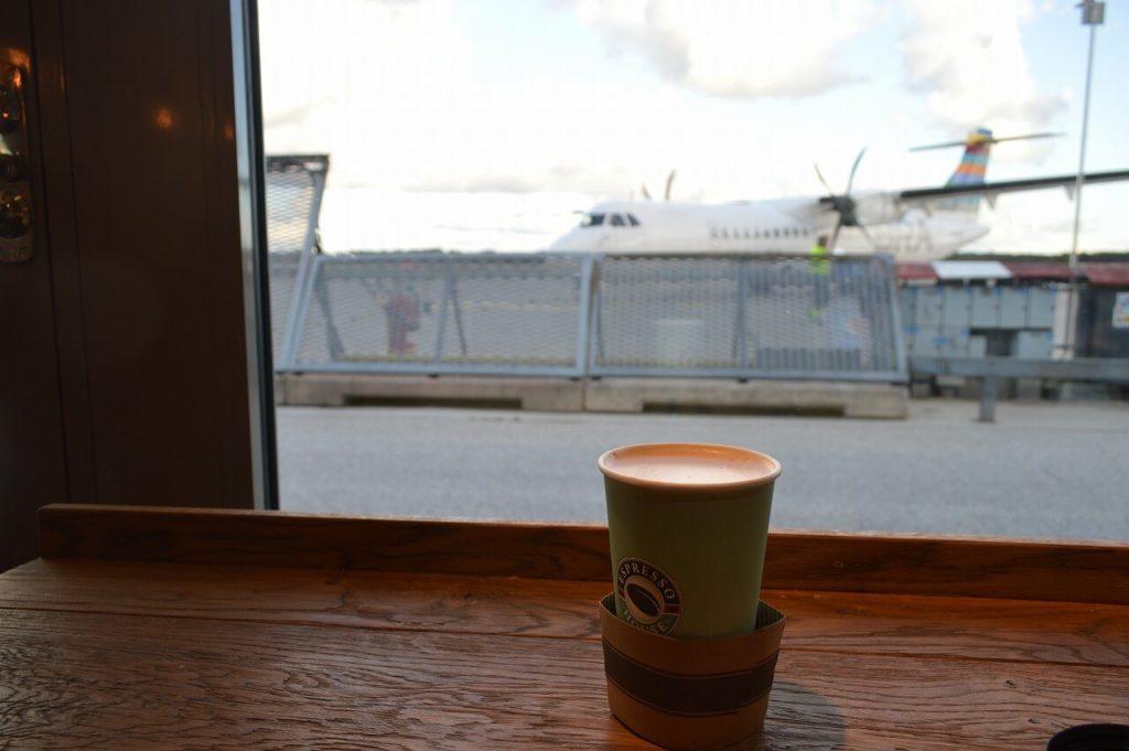 ヴィスビュー空港内のカフェ