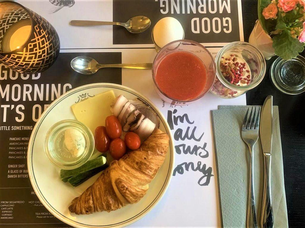 コペンハーゲン・アストリアホテルの朝食ビュッフェ