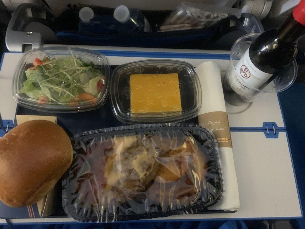 KLM機内食のお昼ご飯