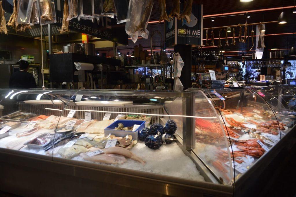 ノルウェーのベルゲンのインフォメーションセンター内にあるフィッシュマーケット
