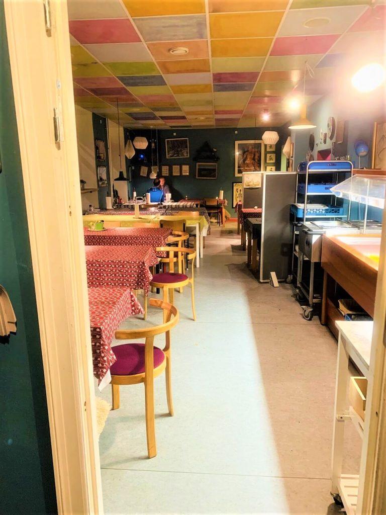 コペンハーゲンのご飯屋さんmadgladのビュッフェスタイル