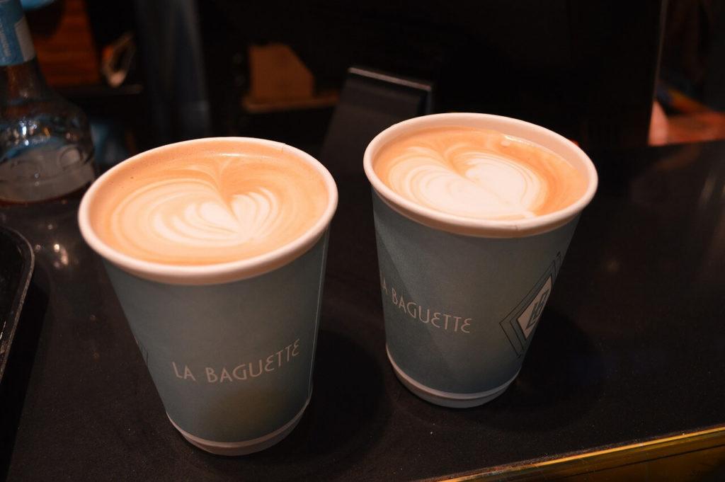 オスロ駅のカフェのコーヒー