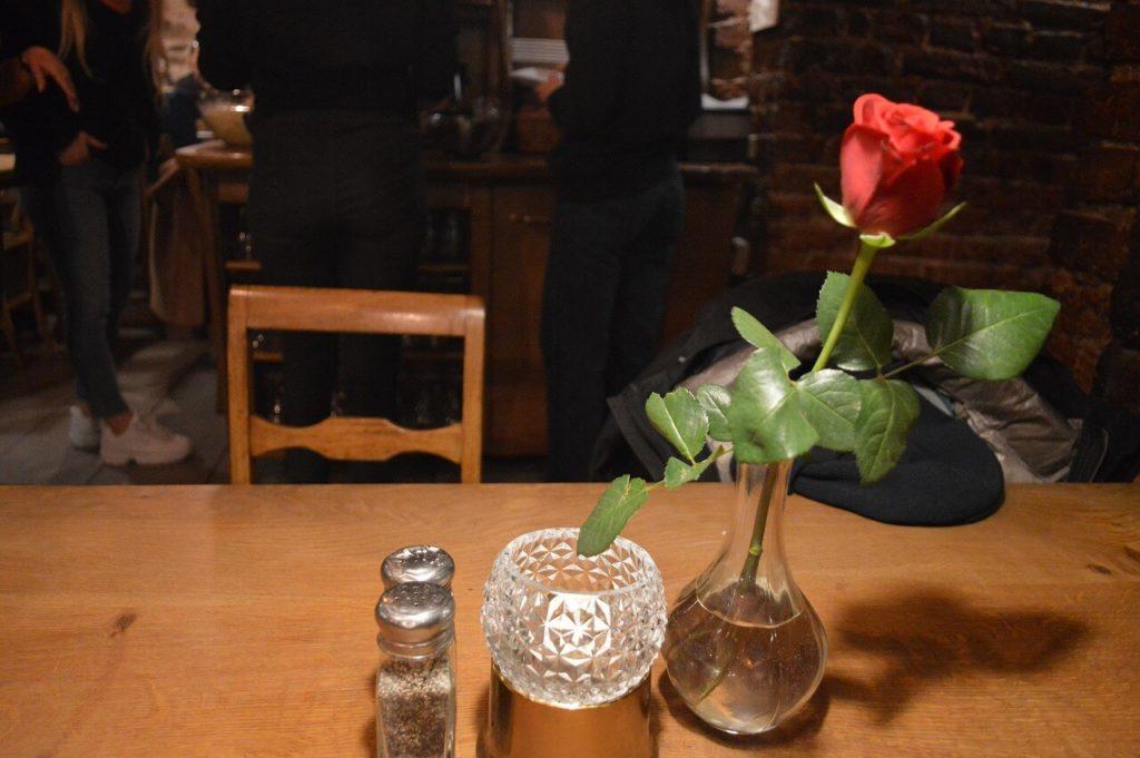 ガムラスタンのレストラン「Under Kastanjen」