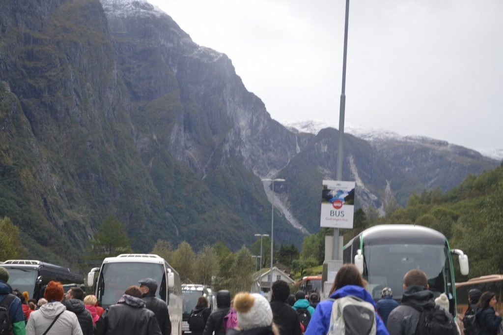グドヴァンゲンからボスへ移動するバス