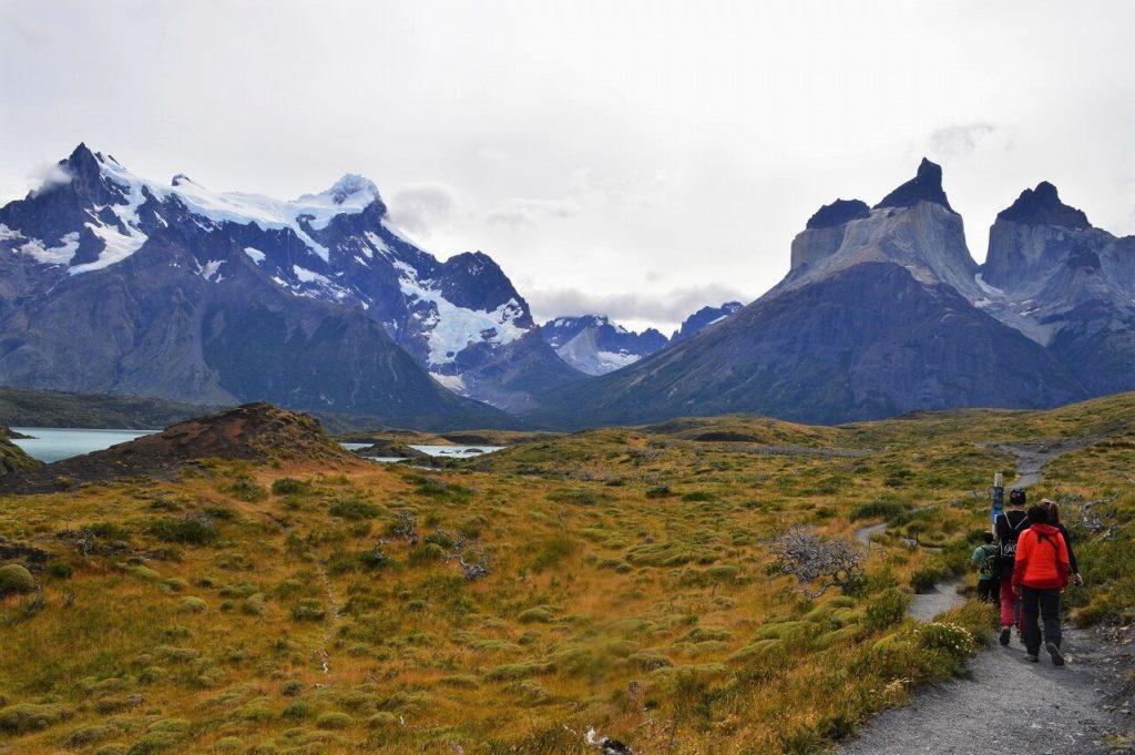 パイネ国立公園のクエルノス山(Los Cuernos)