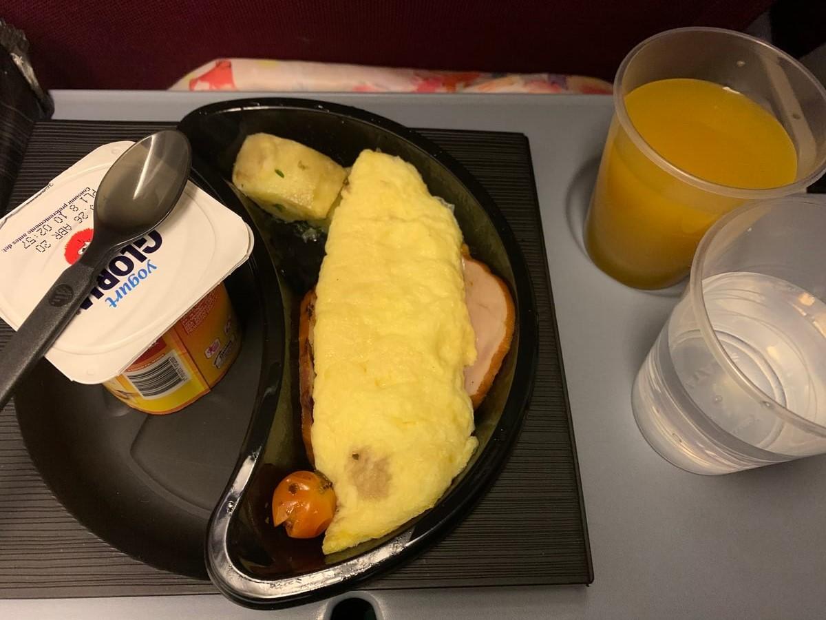 リマからロサンゼルス空港行で出た機内食