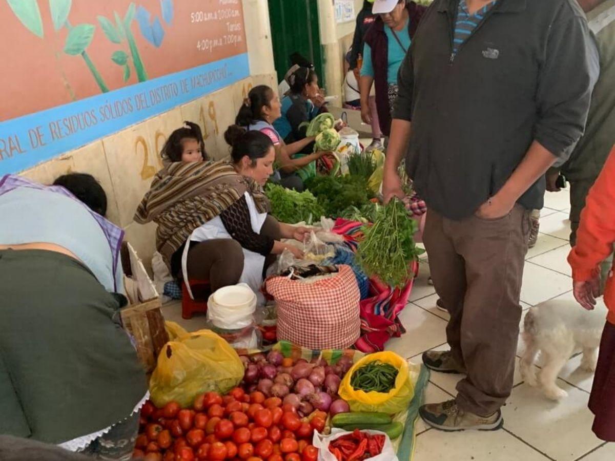 マチュピチュ村のメルカド市場