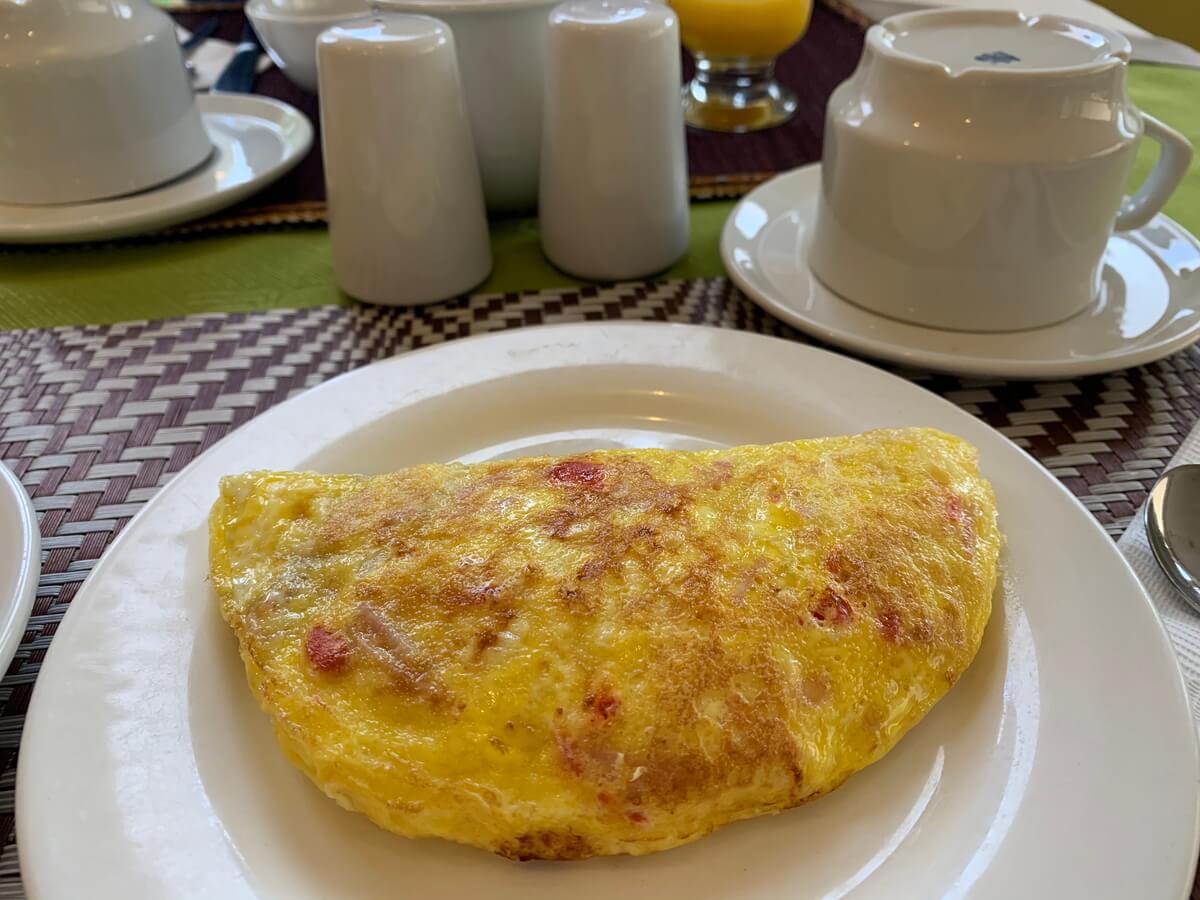 Torre Doradaホテルの朝食のオムレツ