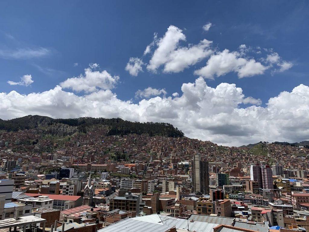 ボリビアのラパスのqantu hotelからの景色