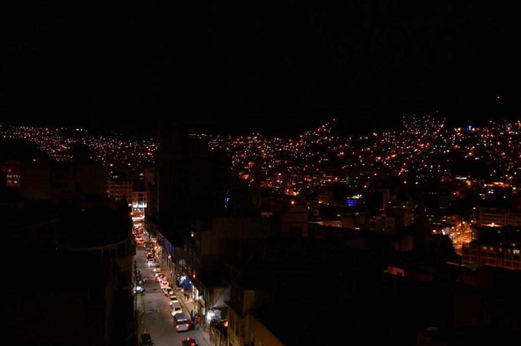 ボリビアのラパスからの夜景