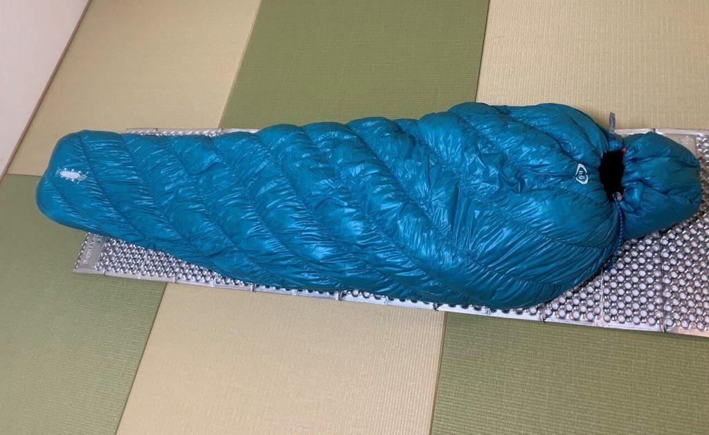 マミー型の寝袋