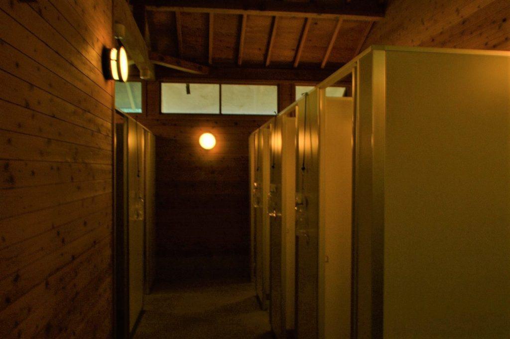 スノーピーク箕面キャンプフィールドのサイトBトイレ