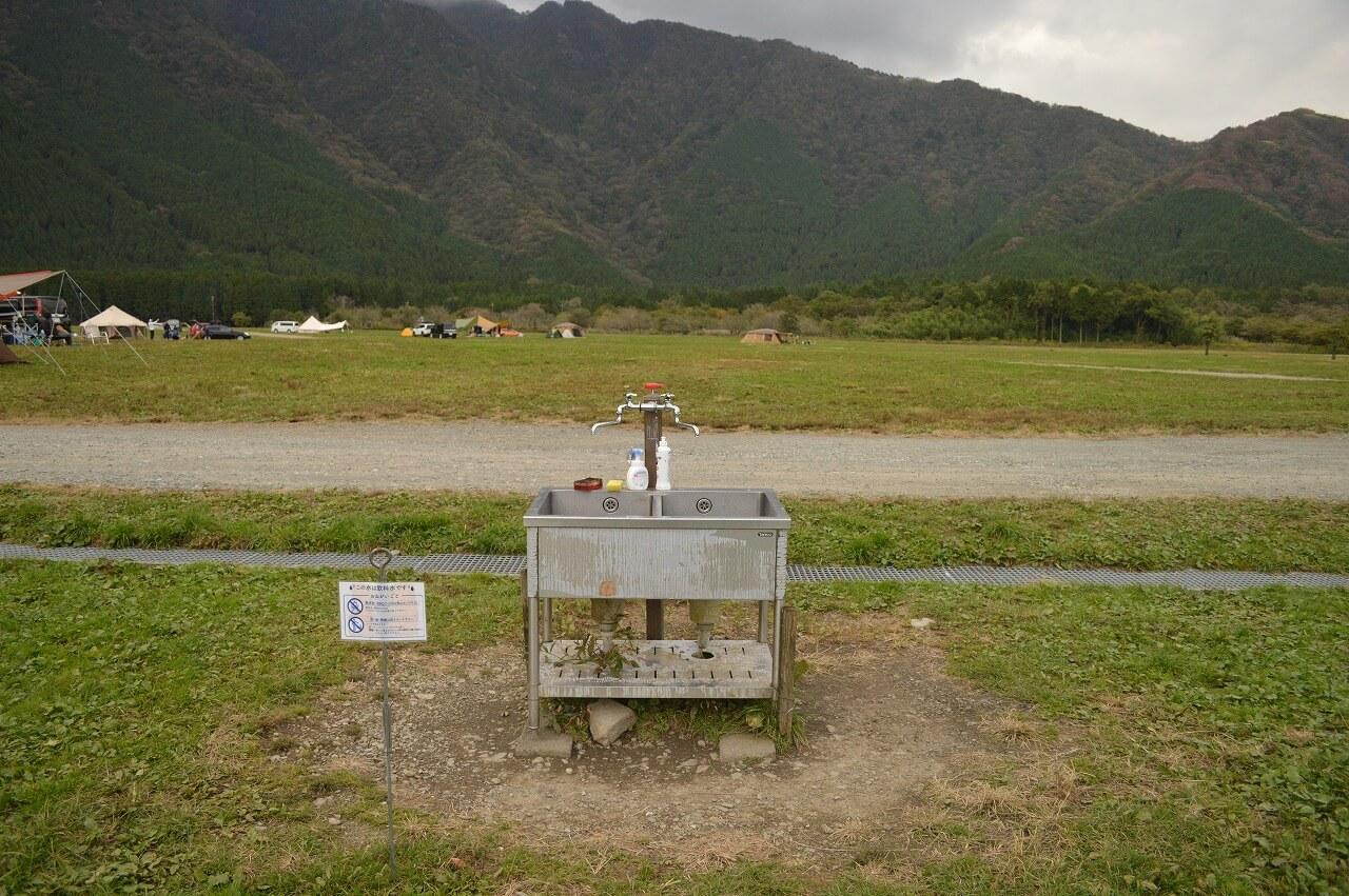 ふもとっぱらキャンプ場の炊事場