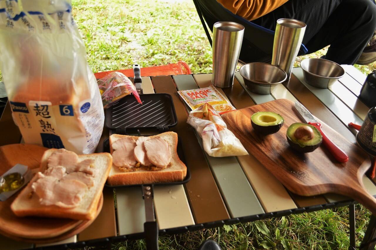 ふもとっぱらキャンプ場での朝ごはん