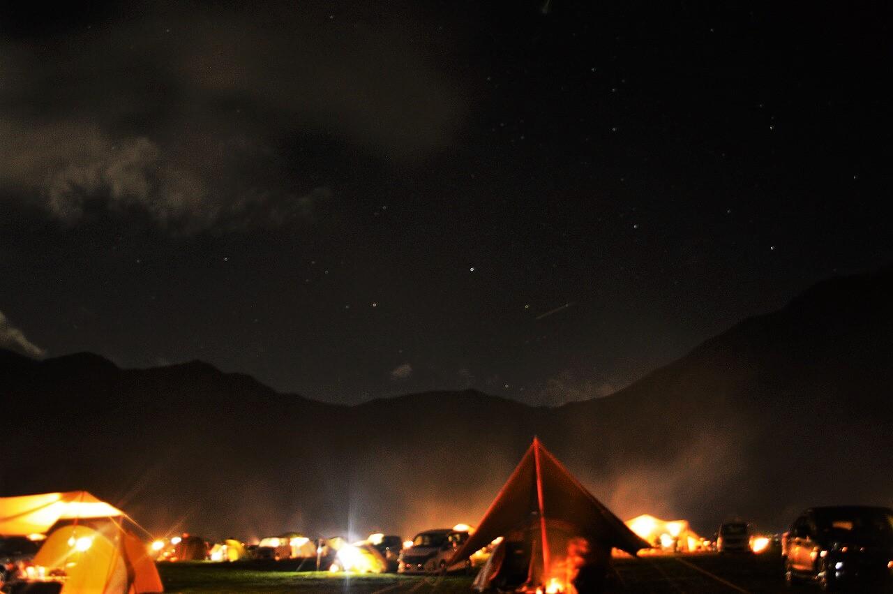 ふもとっぱらキャンプ場と毛無山の夜